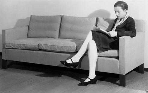 beate feith kramers erste frau beate feith war sch lerin von lilly reich sessel und sofa. Black Bedroom Furniture Sets. Home Design Ideas